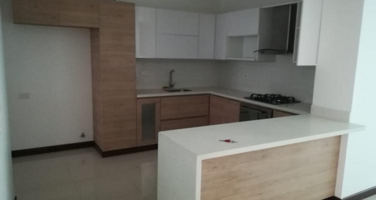 Apartamento para venta barrio Laureles Primer Parque cocina barra