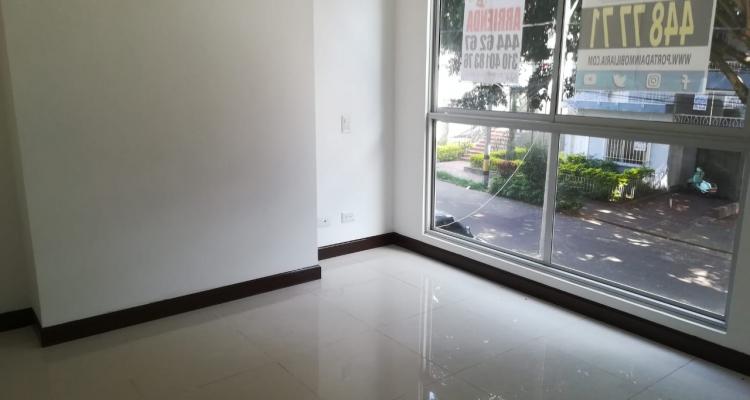 Apartamento para venta barrio Laureles Primer Parque ventanal