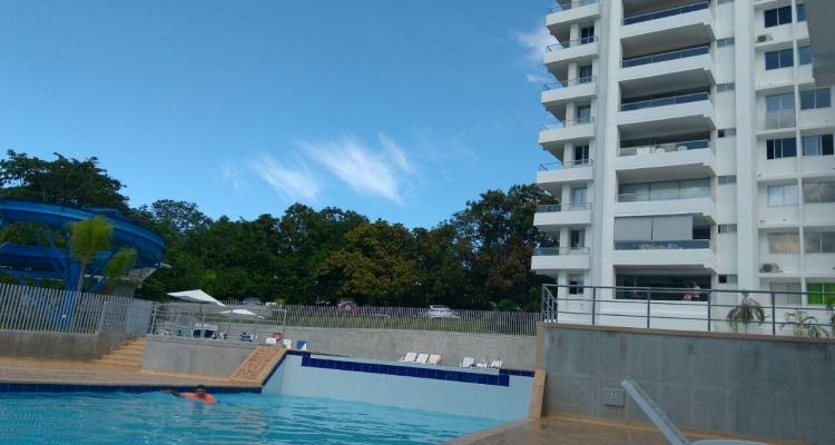 Apartasol amoblado en venta San jeronimo piscina2