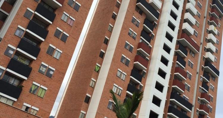 Apartamento para venta en La Estrella sector La Ferreria edificio