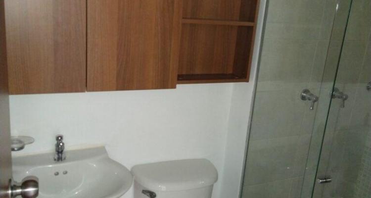 Apartamento para venta en La Estrella sector La Ferreria baño
