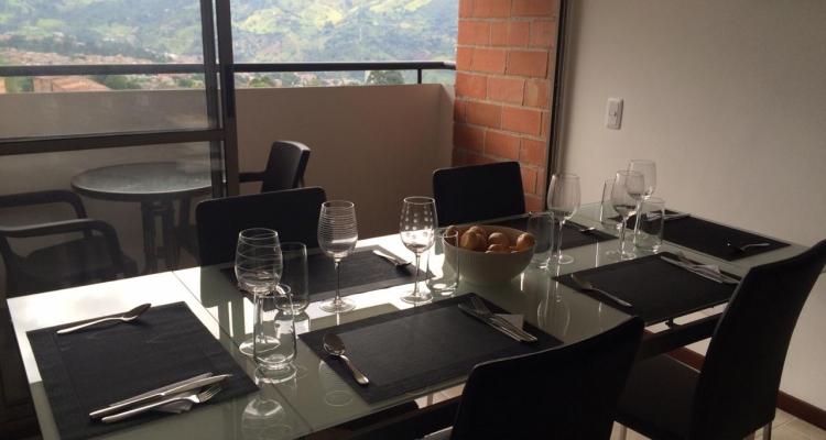 Apartamento para venta en La Estrella sector La Ferreria comedor